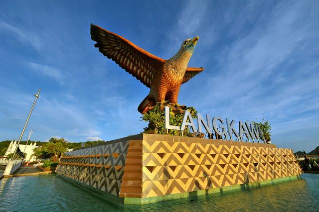 Traveloka, Dataran Lang, Langkawi, honeymoon di Langkawi, anniversary at Langkawi, tempat mesti dilawati di Langkawi