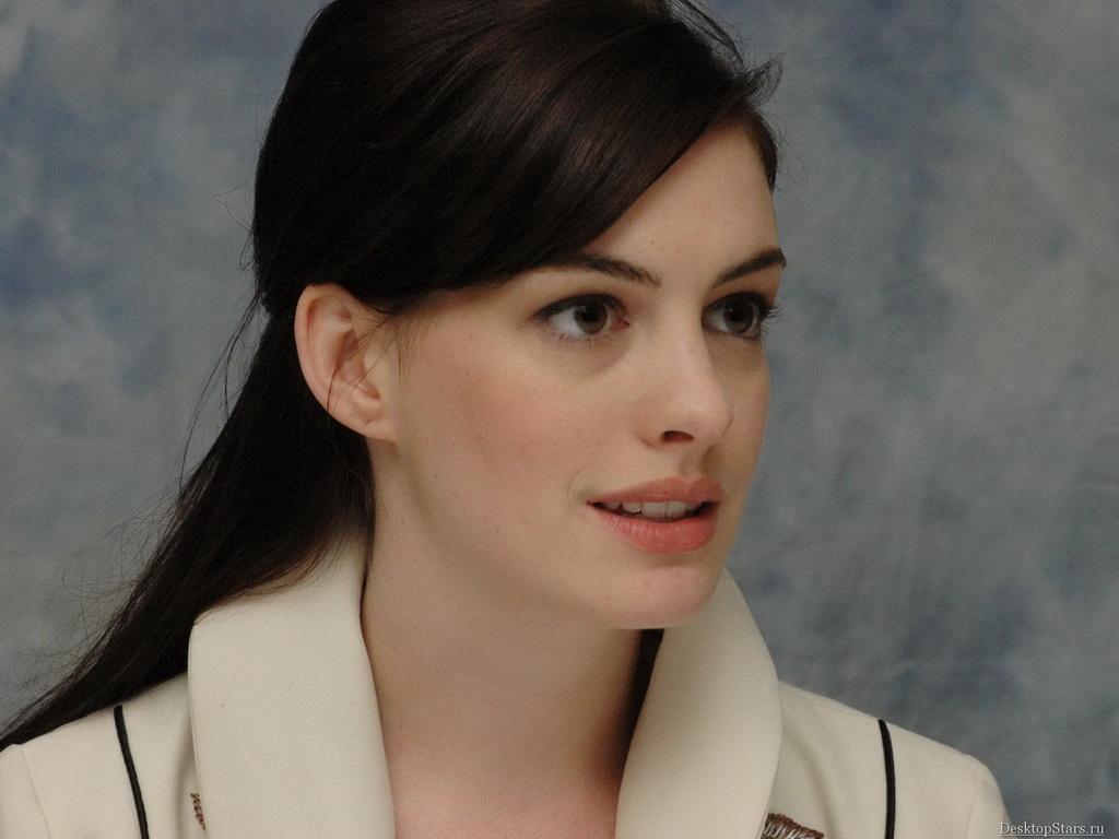 Pz C Anne Hathaway