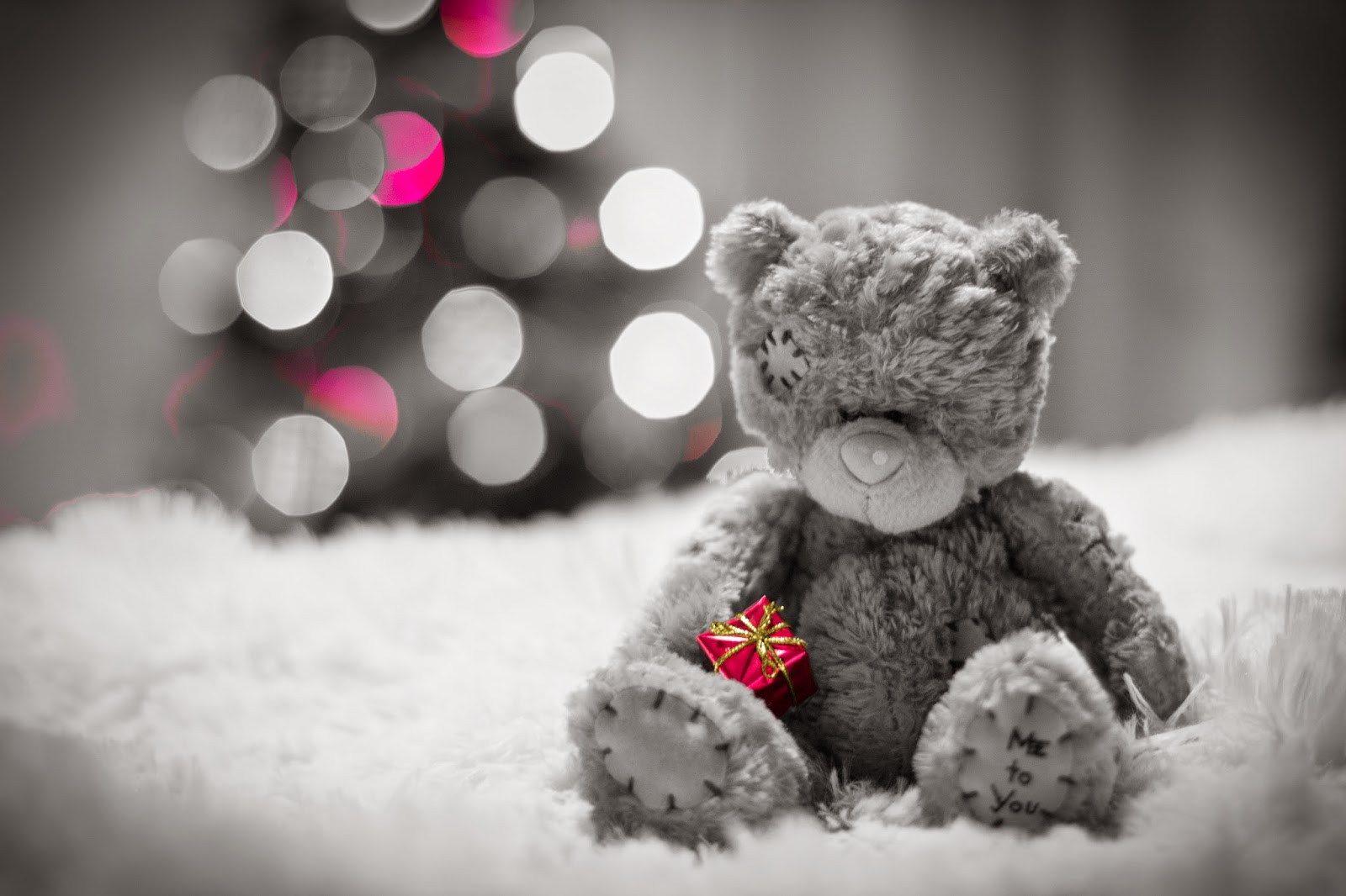 pictures of sad teddy bear lost & lonely feeling after love break up