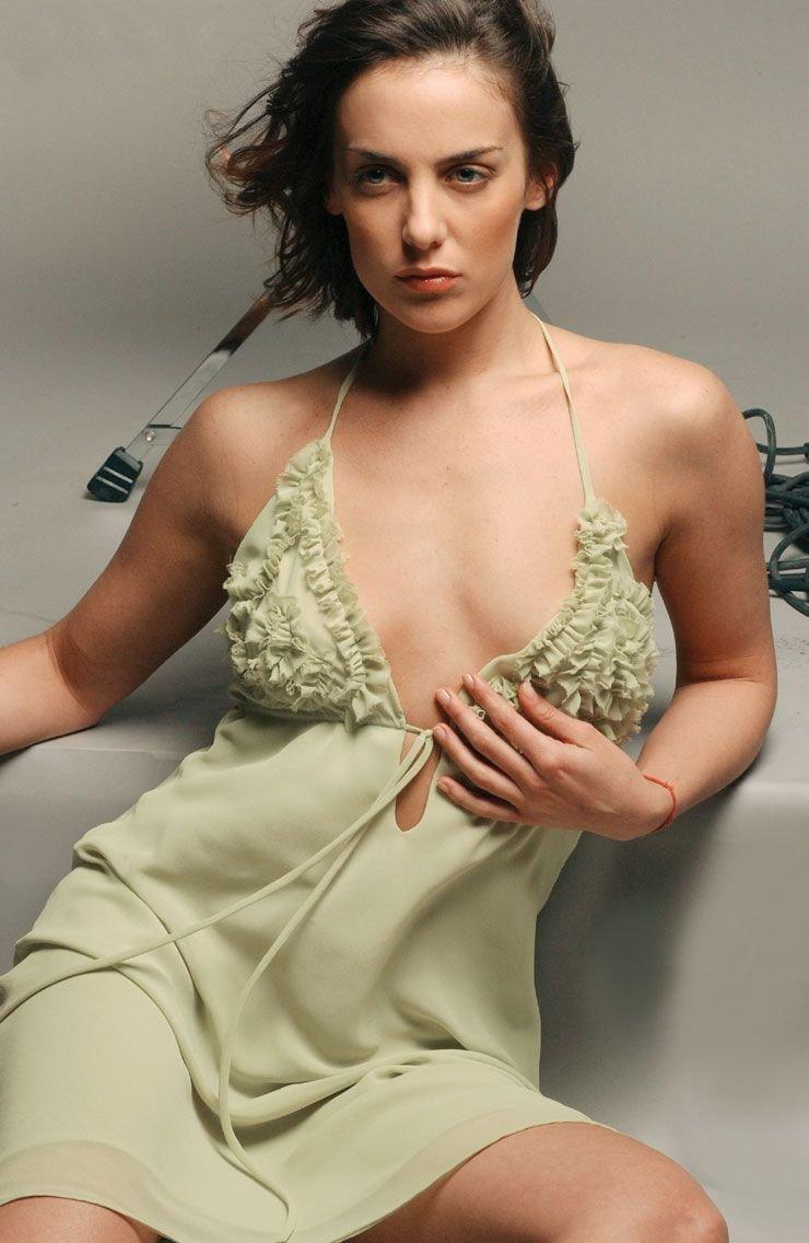 Sarah knappik nude