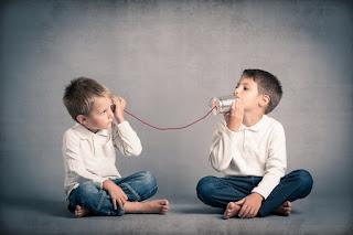Pengertian, Proses, dan Rintangan Komunikasi Menurut Ahli_
