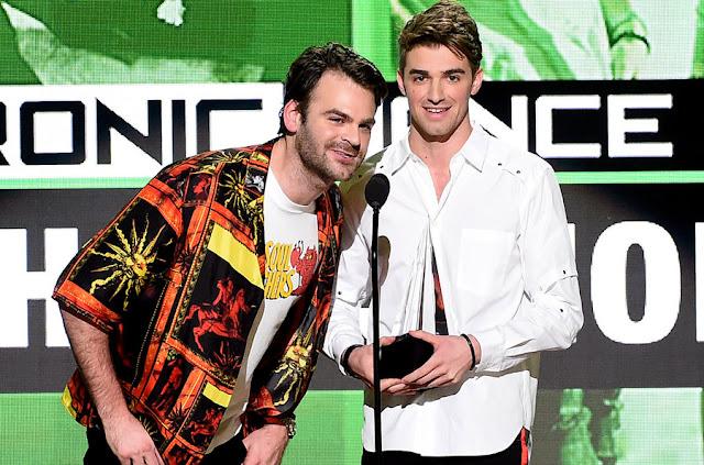 Chainsmokers - American Music Awards 2016