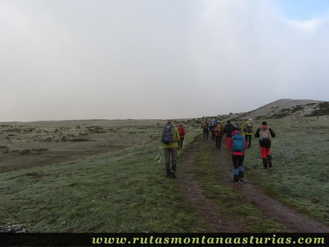 Ruta al Cerro Pedroso: Por la pista