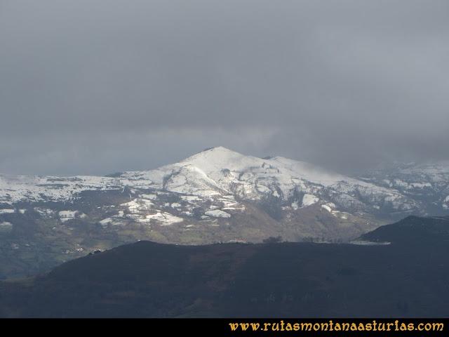 Pico Ranero: Vista del pico Llosorio
