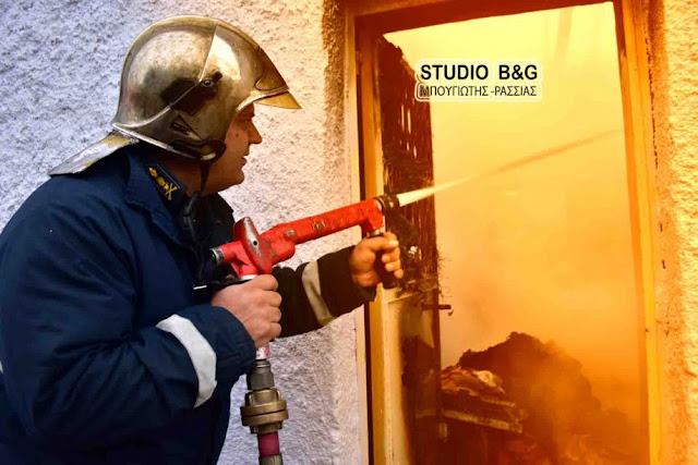 Πυρκαγιά σε σπίτι στα Μέθανα
