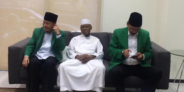 Pengasuh Pesantren Ash-Shidiqiyah Beri Dukungan Penuh Pasangan AHOK-Djarot