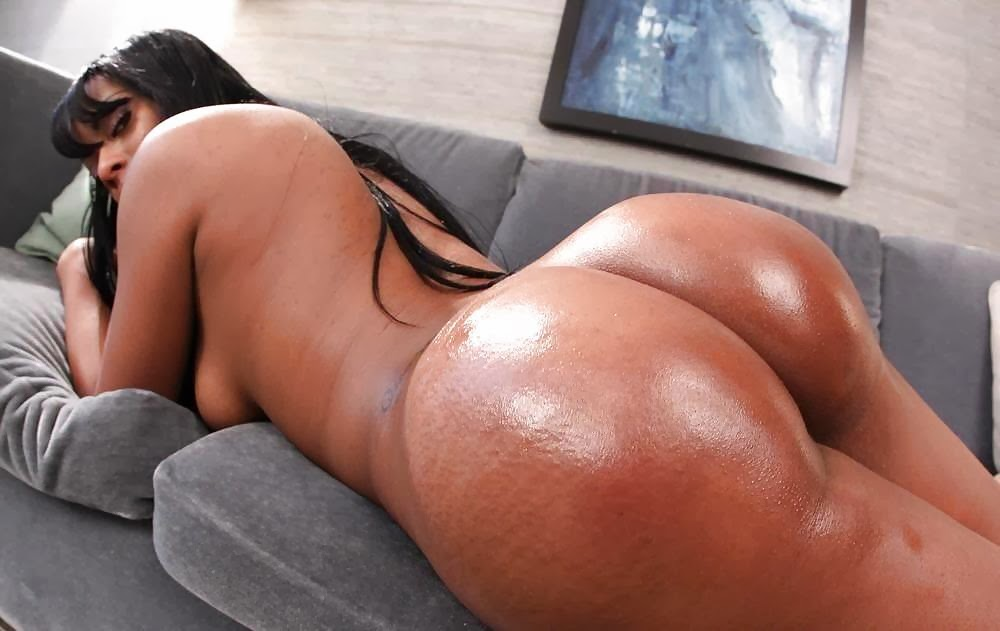 Naked nice asian booty with ass up and face down