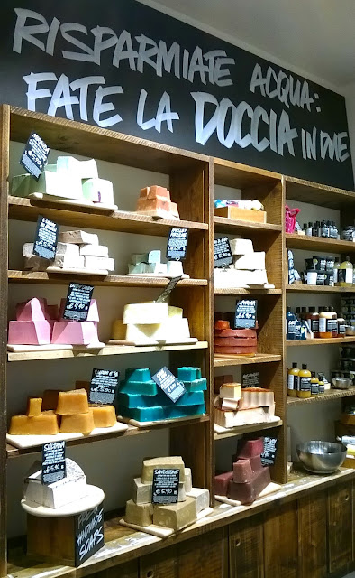 Throwback Tuesday, my first visit at Lush Naples store: bath products corner