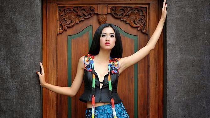 Foto Model Cantik dan Sexy Cynthia Wijaya