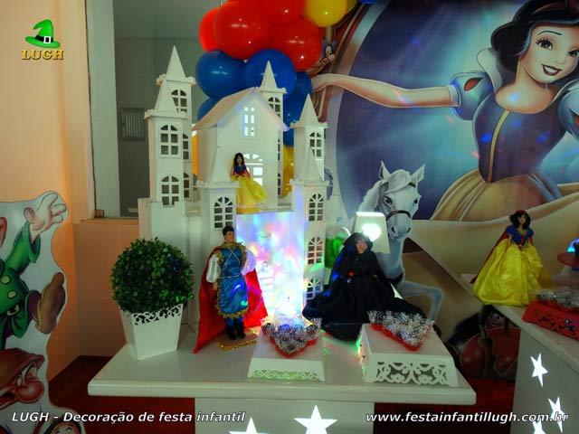 Decoração infantil Branca de Neve - Mesa temática provençal para festa de aniversário
