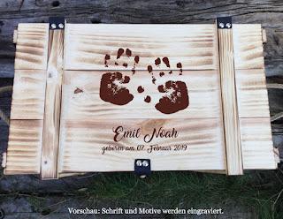 http://thebabypass.com/Grosse-Erinnerungskiste-Babys-Handabdruecke-Erinnerungsbox