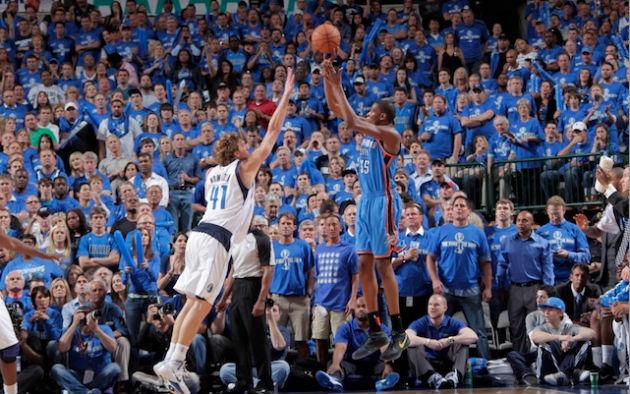 Duel d'ailiers entre Dirk Nowitzki (Dallas) et Kevin Durant (Oklahoma City) #NBA