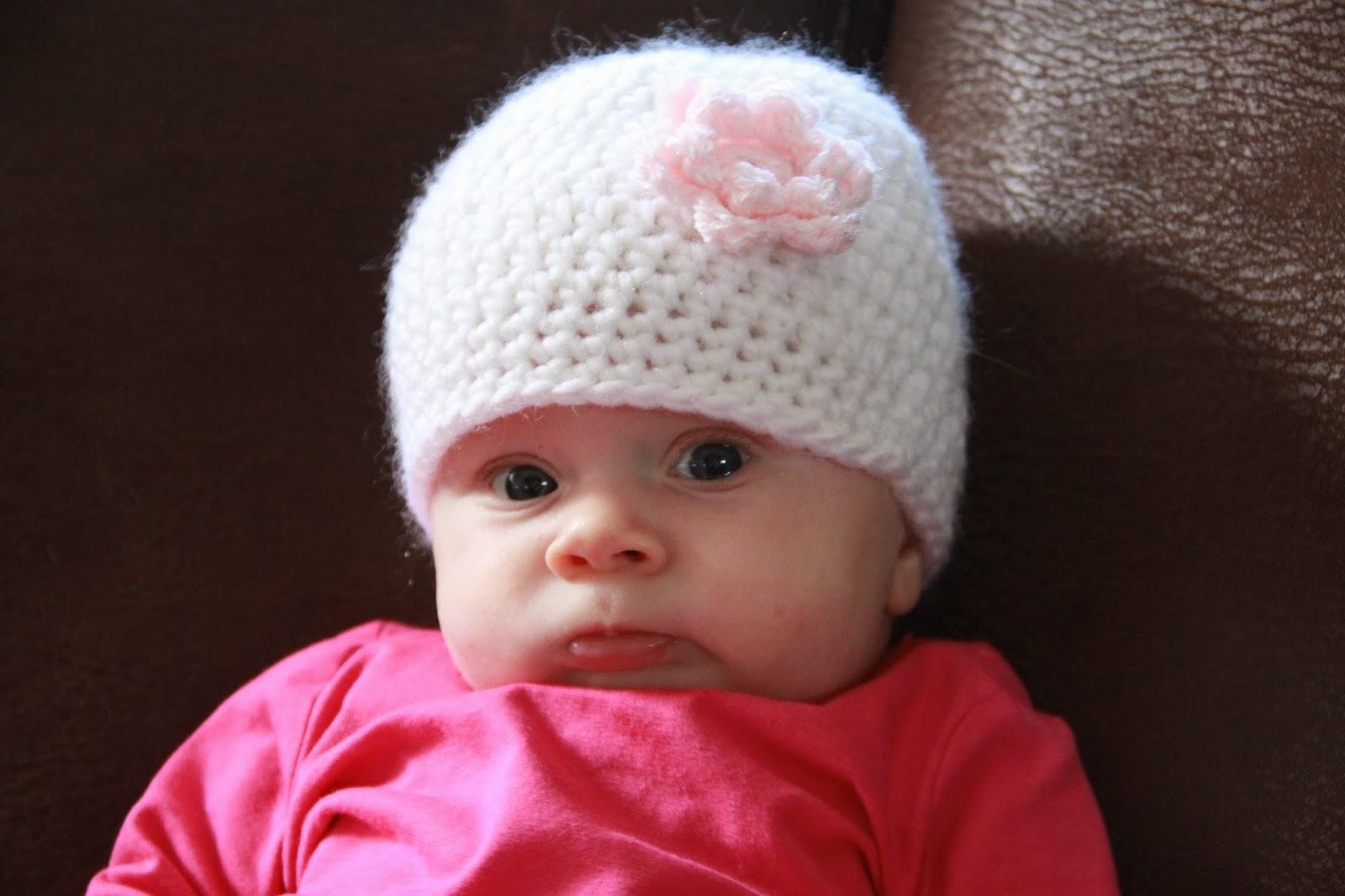 Huiselijk Leven Babymutsje Met Bloem 0 3 Mnd