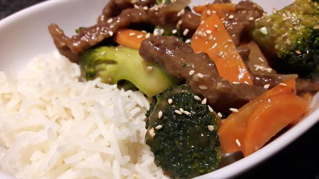 Brokkoli und Rindfleisch aus dem Wok