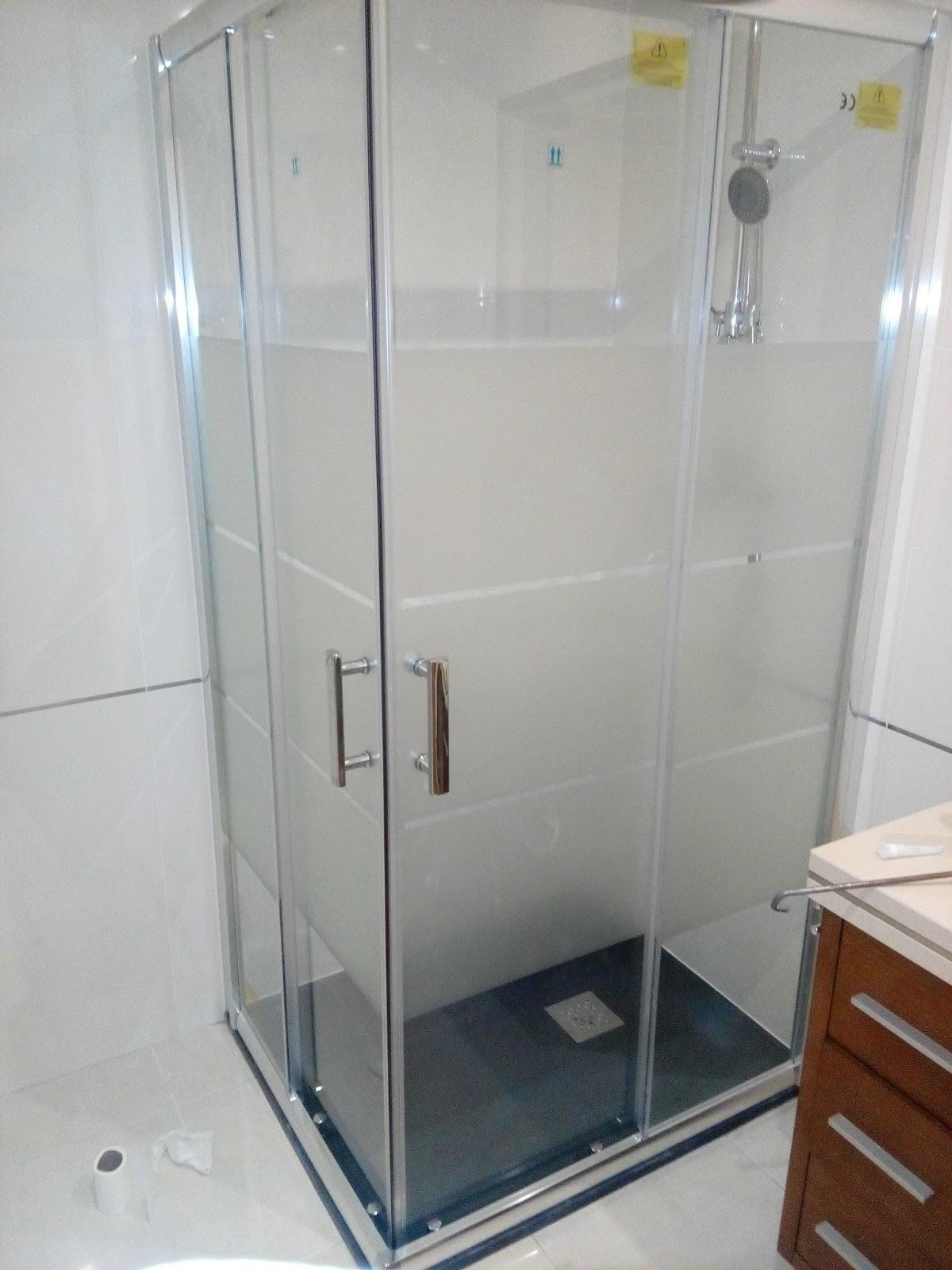 senhor faz tudo faz tudo pelo seu lar instala o de base e cabine de duche em alverca. Black Bedroom Furniture Sets. Home Design Ideas