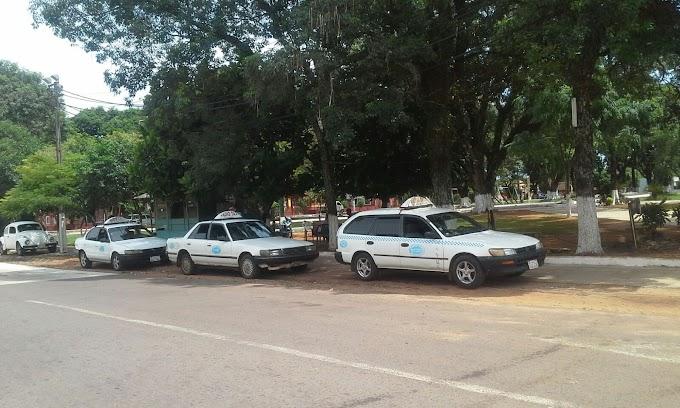 Parada de Taxi Nº 21 - Plaza Ybaroty