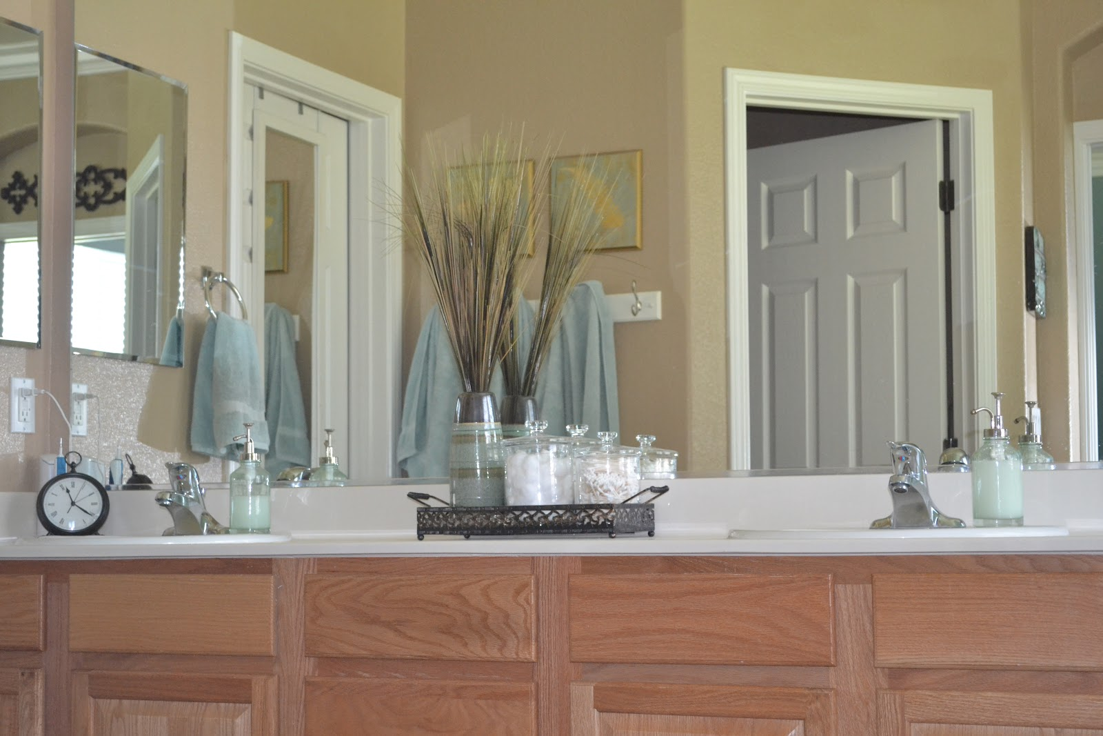 Particularly Practically Pretty: Home Decorations: Master Bath