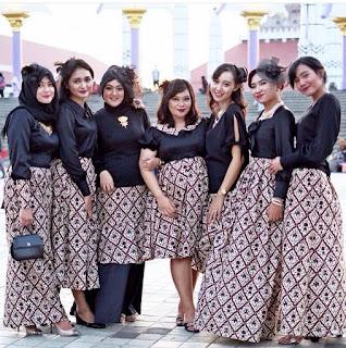 Model Kebaya Rok Batik