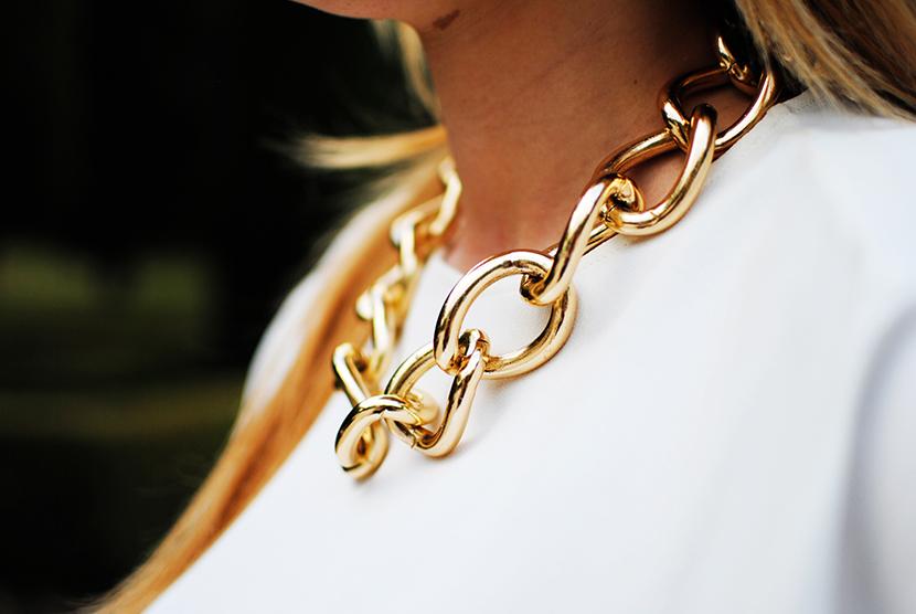 C.serrano, pantalones estampados, snb, nery hdez, estampado geometrico, necklace