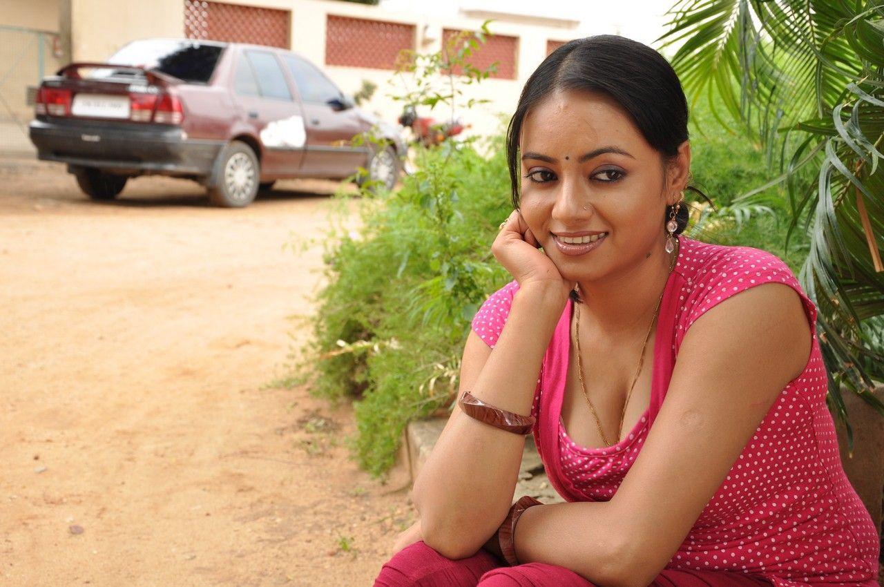 Ug Hot: Hot Indian Girl@Hot Tamil Actress Aishwarya Stills