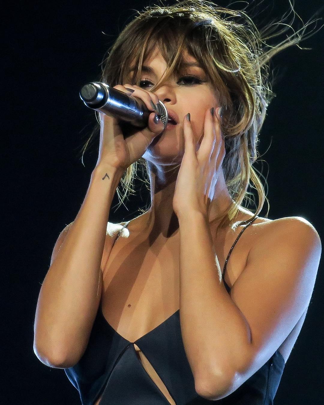 Selena Gomez Hottest Stills