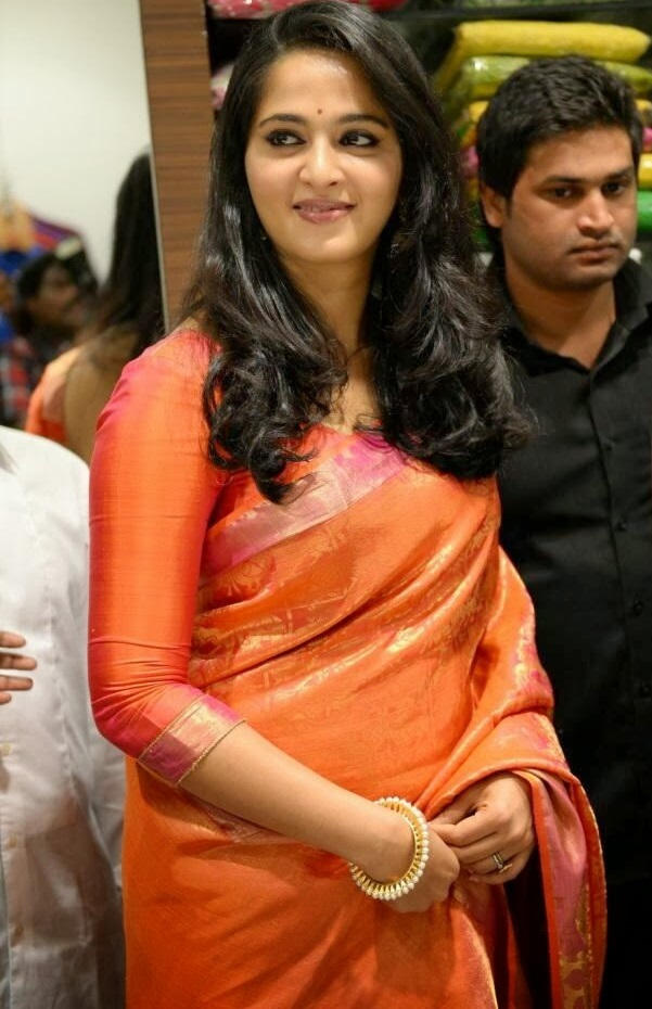 Anushka Shetty Latest 2016 Hot Photos In Orange Saree