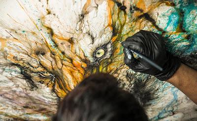 Pintura contemporánea con salpicaduras de tigre