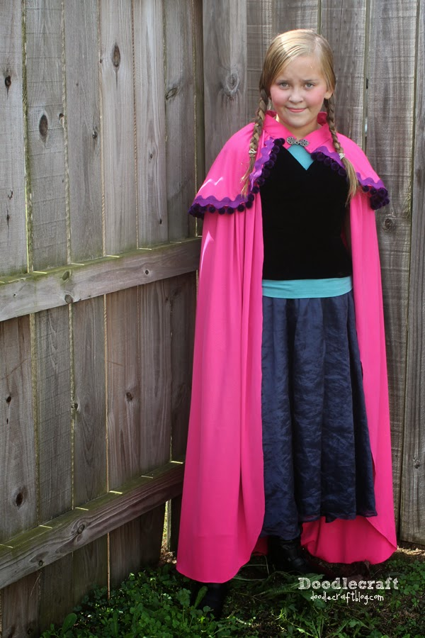 Doodlecraft princess anna pink cape so if you havent already made yourself a cape youve got time to sew one up for halloween this one took me 2 hours orke one for christmaseat solutioingenieria Image collections