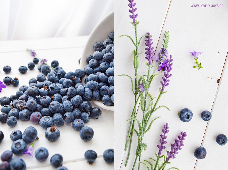 frische blaubeeren lavendel blüten
