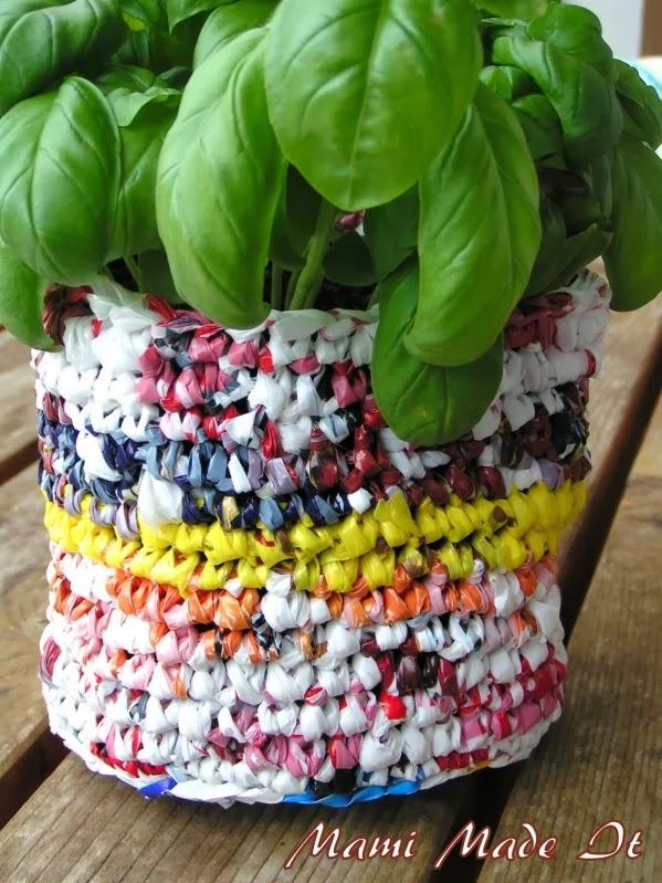 Tutorial: Recycled Plastic Bag Flowerpot - Blumentopf aus Plastiksäcken