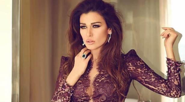 """نادين الراسي تشعل """"تويتر"""" وتتغزل بفنان لبناني.. كيف ردّ الأخير؟.. صورة"""