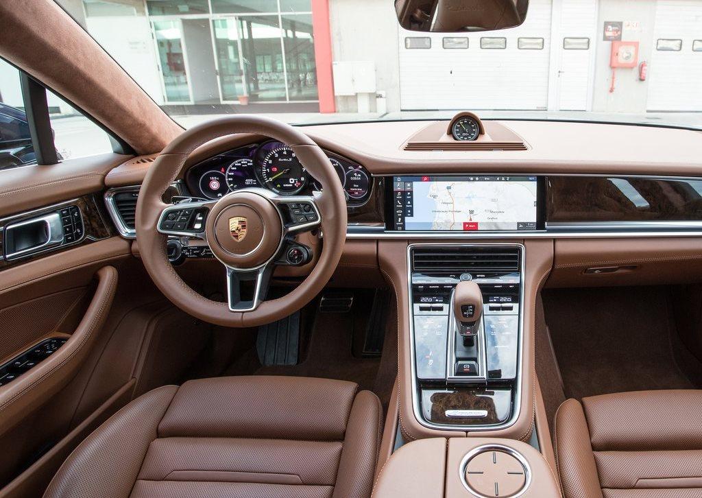 2018 Porsche Panamera Turbo S E Hybrid Sport Turismo Interior