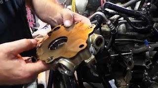 prix remplacement pompe à huile