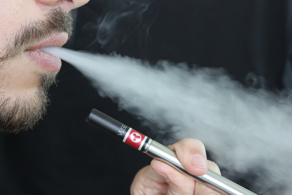 How to Use Electronic Cigarettes to Quit Smoking Completely? 1