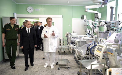 Russian President visiting the Kirov Military Medical Academy Clinic.