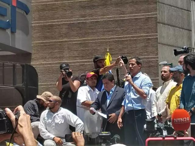 Juan Guaidó llama a encuentro con empleados públicos y nueva movilización el #10Abr