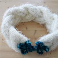 https://laukkumatka.blogspot.fi/2015/04/palmikkohuivi-braided-scarf.html