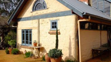 Jardines autosostenibles. Jardín de Max y Margaret Beyer en Castlemain, Australia.