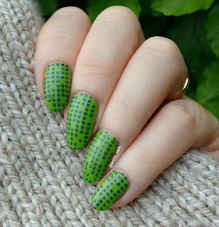Itsy Nails Cosmic Dust and Ejiubas Modern Geometry
