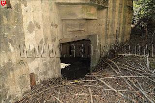 Амбразура в третьем немецком бункере