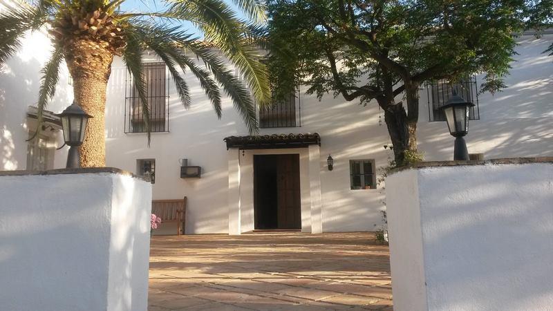 Patio antiguo cortijo en Iznájar Córdoba