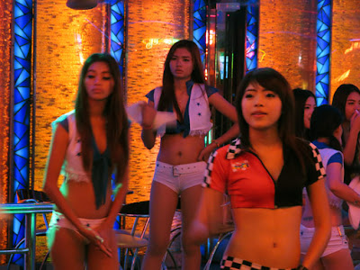 sexy pick up girls from Soi Cowboy 8