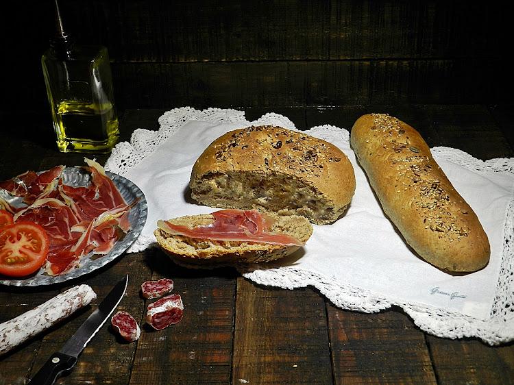 Pan integral de espelta y semillas