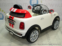 DoesToys DT456EQ Mini Cooper Lisenced Rechargeable-battery Operated Toy Car White
