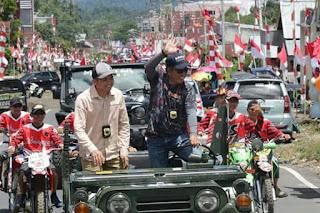 574 Mobil Ikut Pawai Pembangunan Kabupaten Mitra