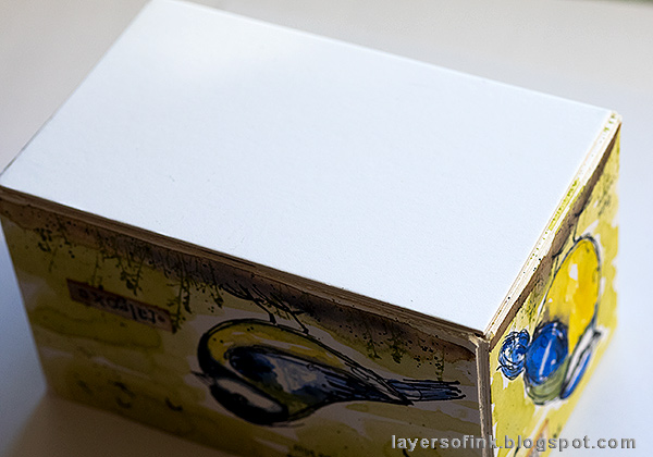 Layers of ink - DIY Watercolor Birds Pen Holder by Anna-Karin Evaldsson. Assemble the box.