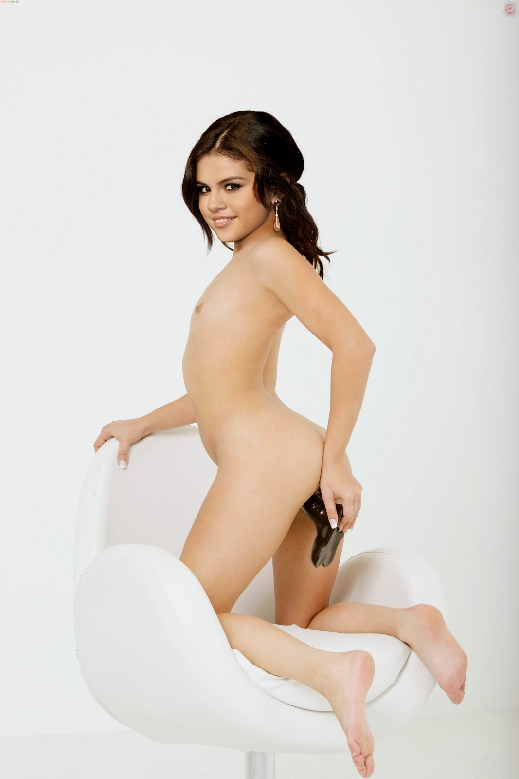 Selena Gomez Nude Possing Her Ass  Fucked In Pussy Fake -3894