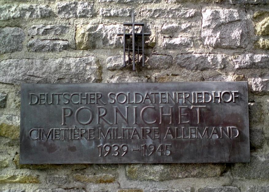 Camping Ste Marguerite (Pornichet) Cimetiere-militaire-allemand-pornichet-ww2-waffen-ss-seconde-guerre-mondiale-12