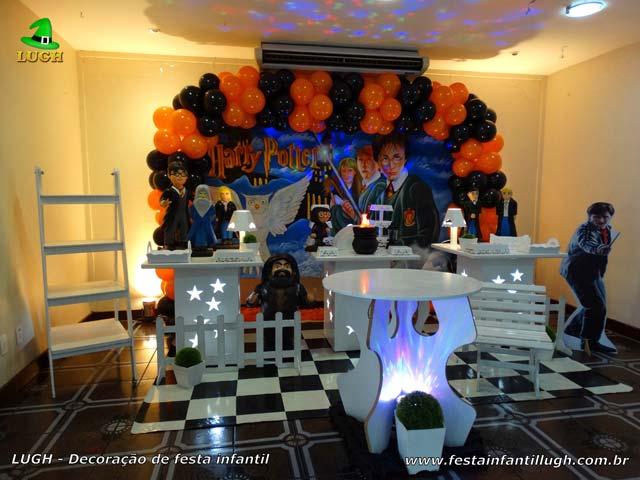 Decoração de festa de aniversário infantil Harry Potter- Mesa Provençal simples