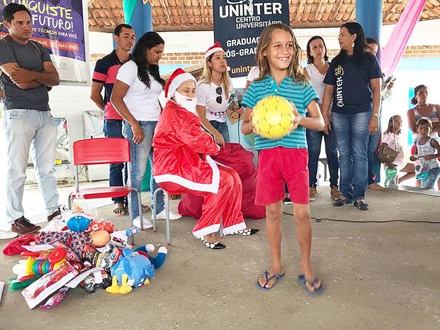 Em Delmiro Gouveia, Projeto social Acolher e Cuidar leva o Natal Solidário para a comunidade das 369 Casas